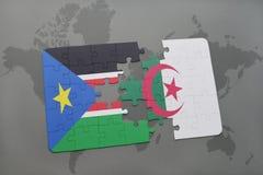 intryguje z flaga państowowa południowy Sudan i Algeria na światowej mapie Zdjęcie Stock