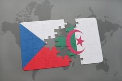 intryguje z flaga państowowa republika czech i Algeria na światowej mapie Fotografia Royalty Free