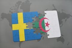 intryguje z flaga państowowa Sweden i Algeria na światowej mapy tle Obraz Royalty Free