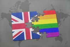 intryguje z flaga państowowa wielki Britain i homoseksualną tęczy flaga na światowej mapy tle Zdjęcia Stock
