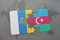 intryguje z flaga państowowa wyspy kanaryjska i Azerbaijan na światowej mapy tle Obrazy Royalty Free