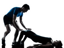 Intstructor do Aerobics com exercício maduro da mulher imagens de stock royalty free