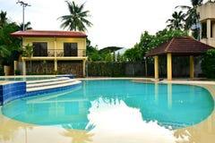 Intymnej siedziby VIP kurortu pływacki basen w Negros orientale, Filipiny zdjęcie stock