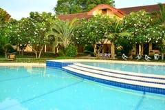 Intymnej siedziby VIP kurortu pływacki basen w Negros orientale, Filipiny fotografia royalty free