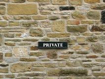 Intymny - znak na kamiennej ścianie zdjęcia royalty free