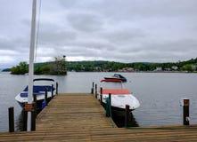 Intymny znak widzieć na małym jetty na jeziorze w Nowa Anglia, MA Zdjęcia Royalty Free