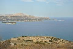 Intzedin fort och Souda fjärd i Kreta, Grekland Arkivbild