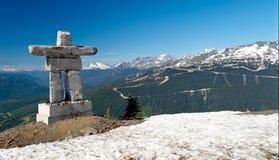 Inukshuk bij de Berg van de Fluiter Royalty-vrije Stock Foto's