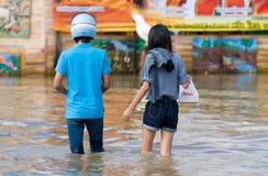 Inundação da monção em Nakhon Ratchasima, Tailândia Imagens de Stock