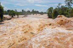 Inundação de Konpapeng em Pakse, Laos fotografia de stock