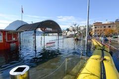 A inundação do lago Lugano em Suíça Foto de Stock Royalty Free