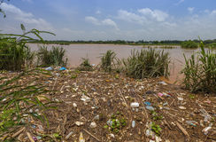 Inundação do lixo em laos Fotografia de Stock
