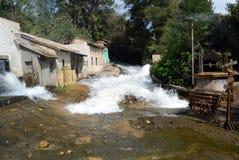 Inundação na vila pequena imagens de stock