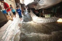Inundações mega em Banguecoque em Tailândia. Fotografia de Stock Royalty Free