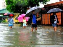 Inundación causada por el tifón Mario (nombre internacional Fung Wong) en las Filipinas el 19 de septiembre de 2014 Imagen de archivo libre de regalías