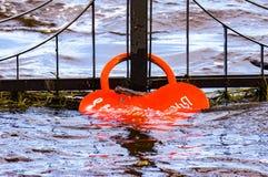 Inundación, cerradura hundida del amor, desastre imágenes de archivo libres de regalías