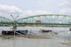 Inundación del río Danubio en la ciudad de Komarom, Hungría, el 5 de junio de 2013 Foto de archivo