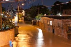 Inundación en la noche fotografía de archivo