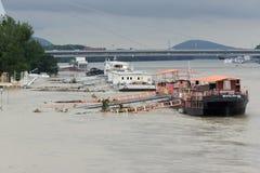 Inundación extraordinaria, en el río Danubio en Bratislava Foto de archivo