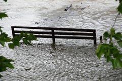 Inundación extraordinaria, en el río Danubio en Bratislava Fotos de archivo libres de regalías