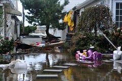 Inundación seria en las casas privadas Fotos de archivo