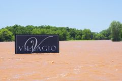 Inundación severa en Oklahoma en vecindad fotos de archivo