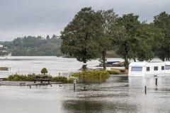 Inundación del río Fotos de archivo libres de regalías