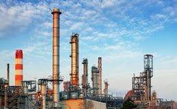 Inustry - oljeraffinaderi, petrokemisk växt Arkivbild