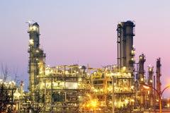 Inustry - rafineria ropy naftowej, zakład petrochemiczny zdjęcie royalty free