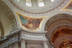 Invalide的圣路易斯大教堂的内部绘画  免版税图库摄影