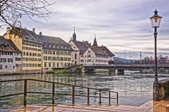 Invallning av den Aare floden i Solothurn i Schweiz Royaltyfri Bild