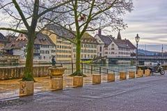 Invallning av den Aare floden i Solothurn i Schweiz Arkivfoto
