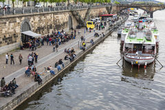 Invallning av den Vltava floden Royaltyfri Foto