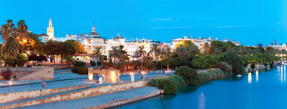 Invallning av Sevilla, Guadalquivir flod, Spanien royaltyfria foton