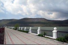Invallning av sjön i Abrau-Dyurso Fotografering för Bildbyråer
