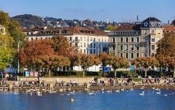 Invallning av sjön Zurich i staden av Zurich Arkivfoton