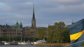 Invallning och pir i mitten av Stockholm sweden arkivfilmer