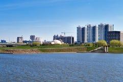 Invallning på den Ishim floden i Astana royaltyfria foton