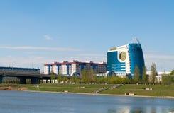 Invallning på den Ishim floden i Astana royaltyfria bilder