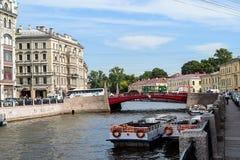 Invallningen av den Moika floden i St Petersburg Fotografering för Bildbyråer