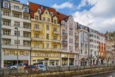 Invallningen av den Tepla floden, Karlovy varierar, Tjeckien Royaltyfri Bild