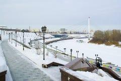 Invallningen av staden av Tyumen i vintertid Ryssland Fotografering för Bildbyråer