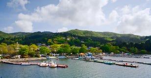 invallninghakone lake som är panorama- till sikten fotografering för bildbyråer