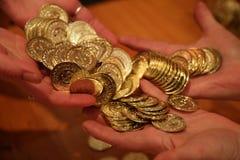 Inventa as mãos do transferr Imagem de Stock Royalty Free