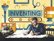 Inventando l'innovazione crei il concetto trattato creativo immagini stock
