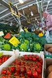 Inventario pubblico di fila del mercato dell'alimento Fotografia Stock Libera da Diritti