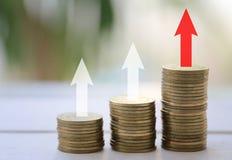 Invente a pilha no conceito da rentabilidade em investmen do negócio imagens de stock