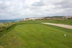 """Inverdisca per il golf in spiaggia di Praia del Rei, i bidos di à """", Portogallo fotografia stock libera da diritti"""