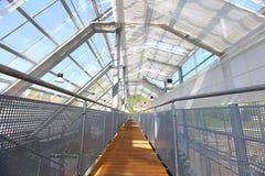 Invernadero con el material para techos de cristal Imagen de archivo