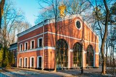 Invernadero del edificio en parque de la ciudad, en Gomel Foto de archivo libre de regalías